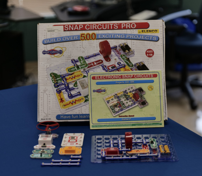 Snap circuits grid