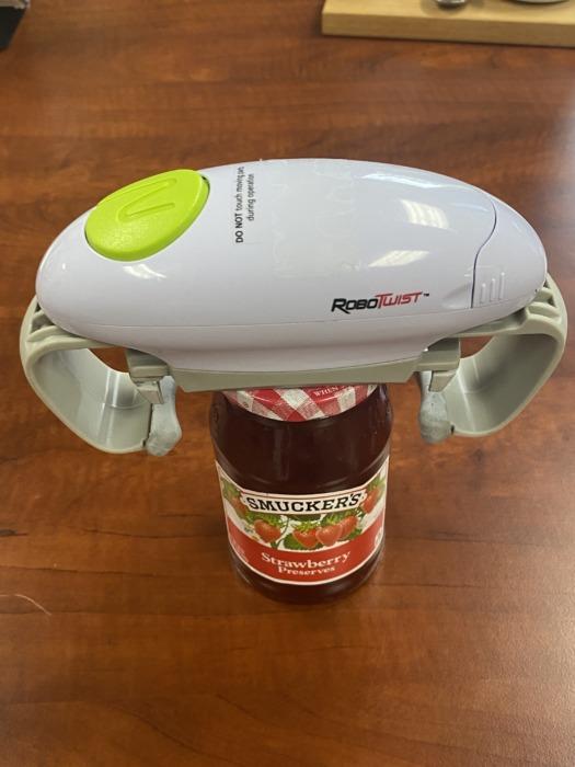 The RoboTwist Jar Opener